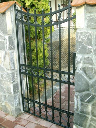Cancelli e recinzioni in ferro battuto lightline di - Cancelletto in ferro battuto ...