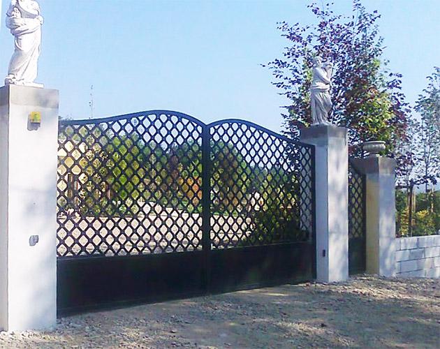 Cancelli e recinzioni in ferro battuto lightline di for Palermo ferro battuto