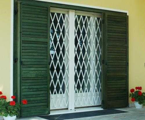 Inferriate e cancelletti di sicurezza lightline - Inferriate estensibili per finestre ...