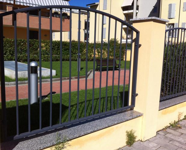 Amato cancelli e recinzioni in ferro battuto | Lightline di Grandi & Cozzi EN46